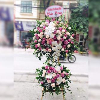 Kệ hoa khai trương hoa hồng kết hợp cùng hoa lan